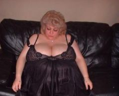 Hott52triple_d is from London and aged 44 | Image 1